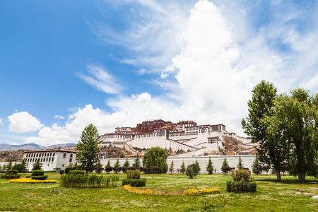 gelugpa: Potala Palace in Lhasa of Tibet, China