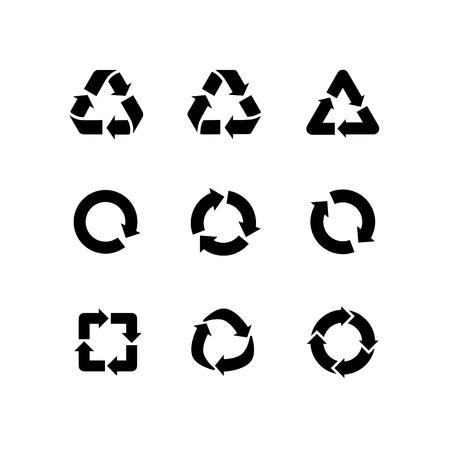 Zestaw wektora znaki recyklingu strzałki ikony samodzielnie na białym tle. Ikony recyklingu, ponownego użycia logo, zmniejszyć symbol. Symbole ekologiczne recyklingu, środowiska ikony kolekcji. Kosz znak Logo