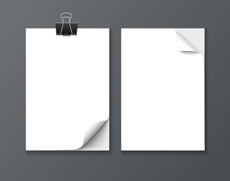 curle: Close up paper sheets with curle corner isolated on dark background. Photo realistic vector paper with paper clip and shadow