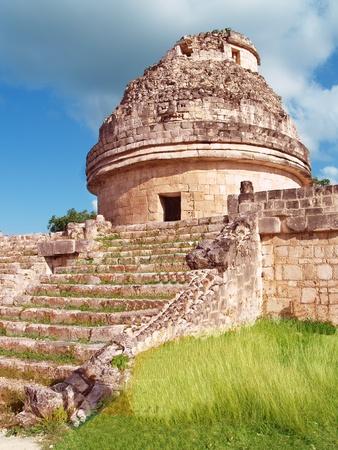 Rovine di antico sità Osservatorio El Caracol Chichén Itzá Messico