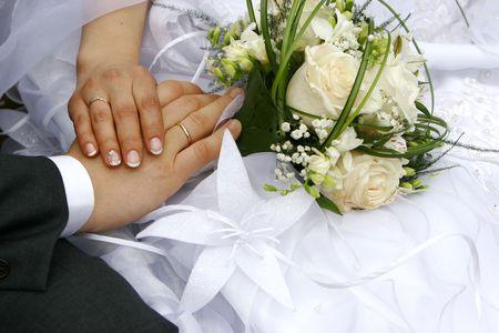 recien casados: reci�n casado - manos, anillos, ramo
