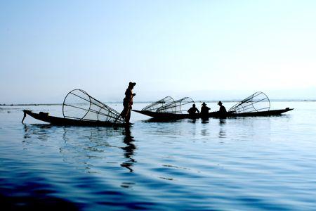 birma: vissers op het water Stockfoto