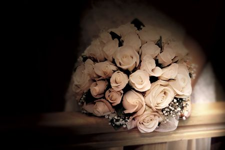 finders: wedding bouquet in sepia tones