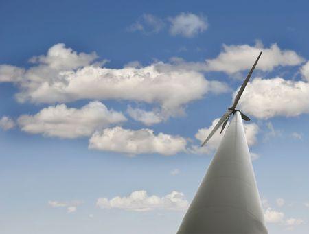 wind turbine over de achtergrond van de hemel Stockfoto