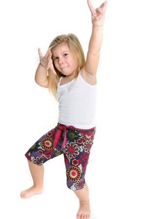ni�os rubios: ni�a bailando hip-hop sobre blanco  Foto de archivo