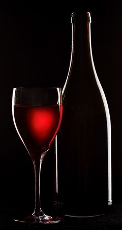 siluet: wine; objects on black background