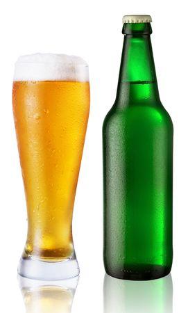 beer glasses: vidrio y botella de cerveza
