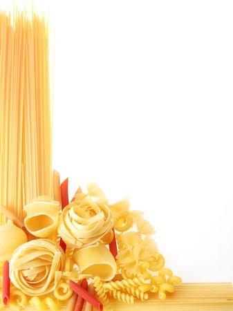 italienisches essen: Zur�ck projiziert (beleuchtet) Makkaroni (Teigwaren)