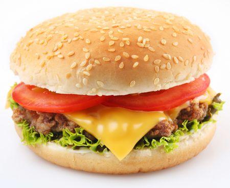 HAMBURGESA: Hamburguesa con queso sobre un fondo blanco