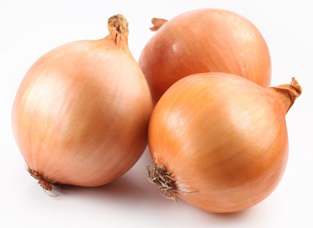 onion isolated: Fresh bulbs of onion on a white background