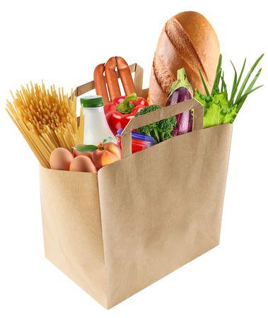 Bolsa de papel con la comida sobre un fondo blanco