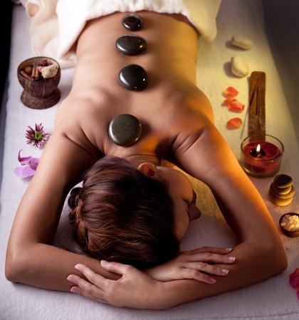 peluqueria y spa: Joven obtener procedimientos de spa.
