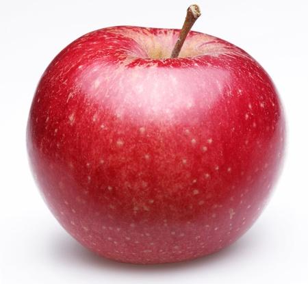 manzana roja: Ripe manzana roja. Aislado en un fondo blanco.