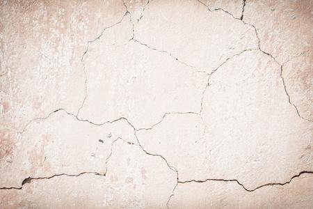 plasterwork: Old cracked wall