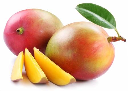 mango: Mango mit Scheiben auf einem wei�en Hintergrund. Lizenzfreie Bilder