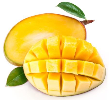 mango leaves: Mango with slices on a white background