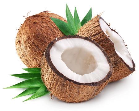 Kokosnüsse, und es ist die Hälfte mit Blättern. Datei enthält Clipping-Pfade.