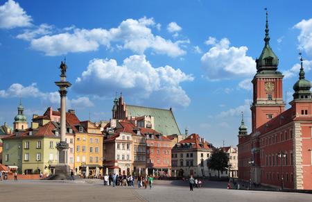 城の正方形。ワルシャワ。旧市街。