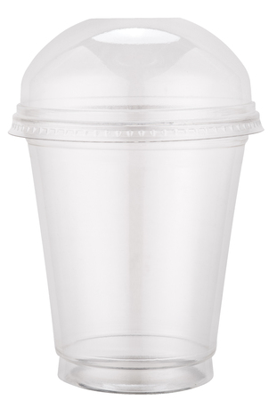 envases plasticos: White plastic cup with cap. File contains clipping paths. Foto de archivo