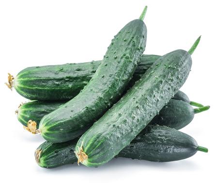 nutrientes: Pepinos en el fondo blanco.