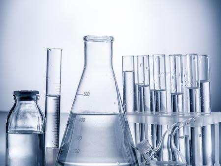 Different laboratory beakers and glassware. Monochrome. Stockfoto