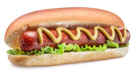Hot dog - salchicha a la parrilla en un bollo con salsas sobre fondo blanco. Trazado de recorte.