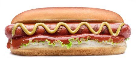 Hot dog - salchicha a la parrilla en un bollo con salsas aislado sobre fondo blanco.
