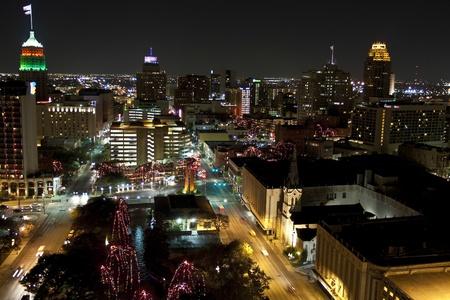 antonio: View of San Antonio city, Texas at night with Christmas lights