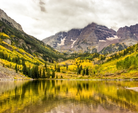 Autumn mountain lake landscape on a cloudy day  Colorado, USA
