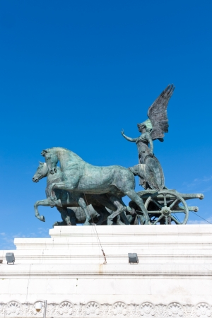 vittorio emanuele: Statue of goddess Victoria on  Monument of Vittorio Emanuele in Rome, Italy