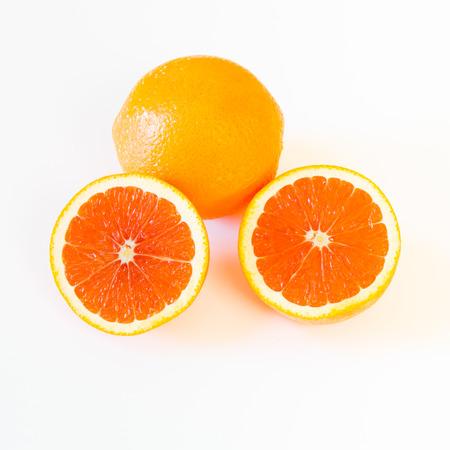 全体半減、キャラとキャラのピンクがかった赤とオレンジ色のインテリア、明るい背景に 写真素材 - 26553439