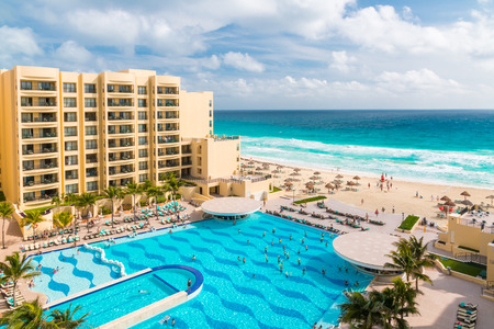 palapa: CANCUN, MEXICO - December 22, 2014: Luxury all-inclusive  The Royal Sands resort with  beautiful beach and swimming pool. Editorial
