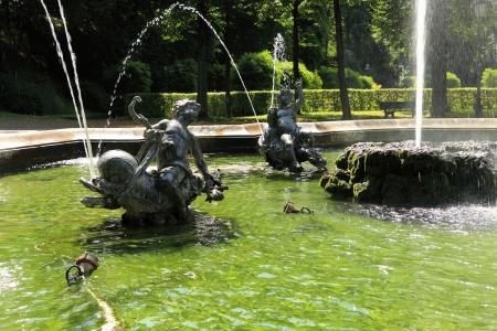 Brunnen am Friedensengel in München Standard-Bild - 15220275
