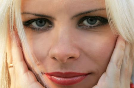 blonde close up: Portrait of the beautiful blonde close up