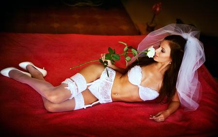 femme en lingerie: S�rie. bride sexy dans la lingerie Banque d'images