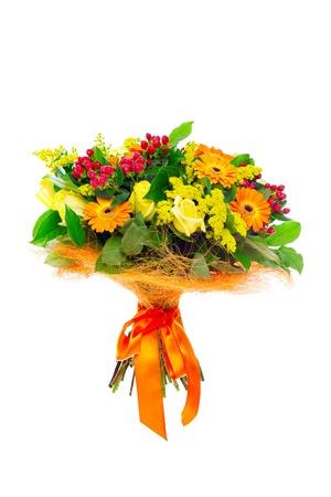 arreglo floral: Un manojo de flores en blanco