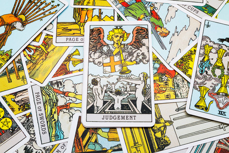 Tarot cards Tarot, the judgement day card in the foreground. Stockfoto