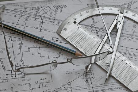 Geod�sie Konzept mit Calliper, Pensil, Glas, Winkelmesser und Regelung