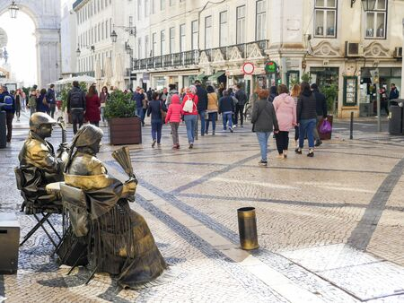 Lisboa, Portugal: Living sculptures, statues on the main street among tourists