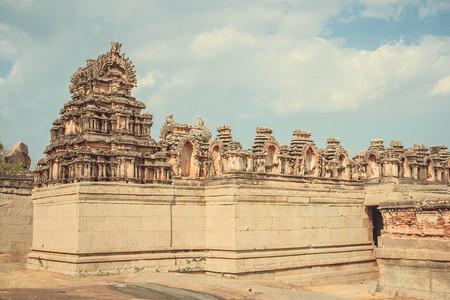 karnataka: Old building at Hampi , India