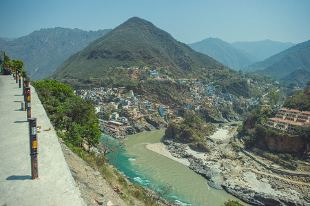 devprayag: The confluence of two rivers of different colors in the town of Devprayag