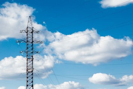 Hoogspannings elektrische toren. Hoogspanningspost of hoogspanningstoren Vermogensconcept. Stockfoto