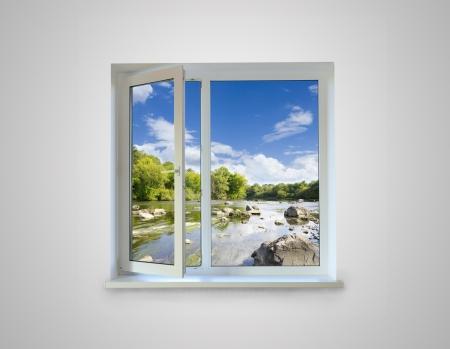 ventana abierta interior: Ventana de cerca para el fondo