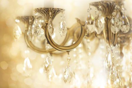 Antieke kristallen kroonluchter informatie Stockfoto