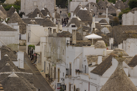 Alberobello: trulli houses , Apulia, Italy. Territory of Valle dItria: these typical houses with dry stone walls and conical roofs are unique to the world. 版權商用圖片