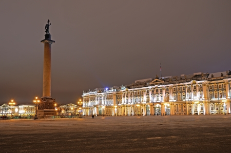 The Alexander Column and Hermitage Museum at Palace Square in St  Petersburg, Russia