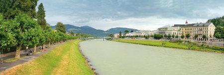 amadeus mozart: Salzburgo, Austria - 30 de julio Vista de Salzburgo el 30 de julio de 2013, de Salzburgo, Austria Salzburgo es la ciudad natal de Wolfgang Amadeus Mozart City fue catalogado como Patrimonio de la Humanidad por la UNESCO en 1997