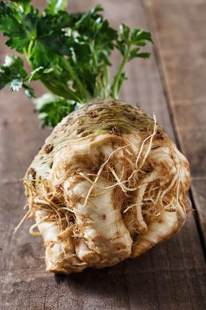 Close up image raw fresh bulb of celeriac root for healthy nutrition Banco de Imagens