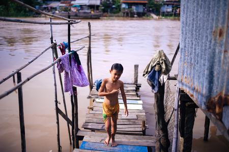 waterways: River bath - elegant pleasures of children Waterways.