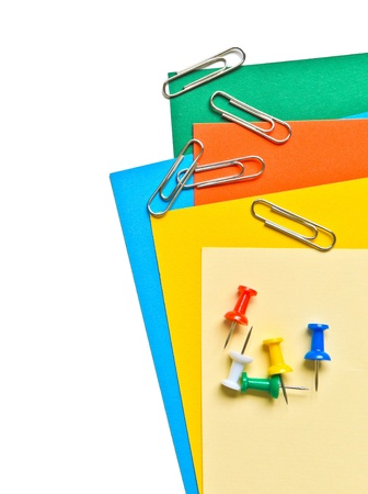 colore della carta casuale con clip in metallo e perno